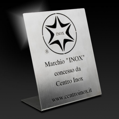 IWT receives the Stainless Steel Plate from Centro INOX, a member of Euro INOX and of ISSF (International Stainless Steel Forum)